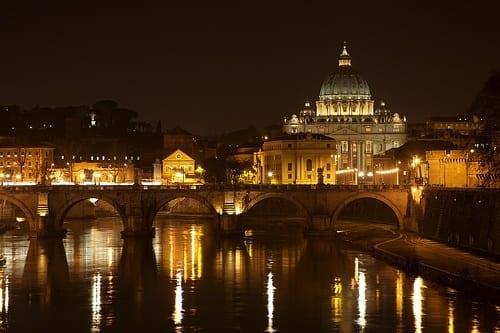 tiber River Vatican rome