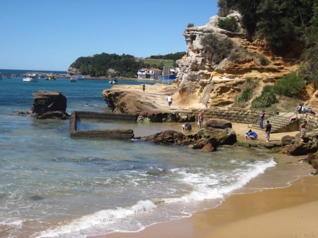 Walk around the rocks of Terrigal Beach