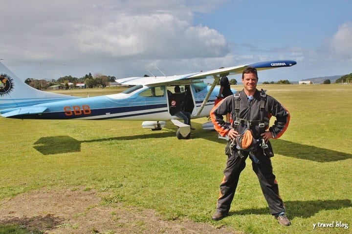 Photo - sky diving in New Zealand