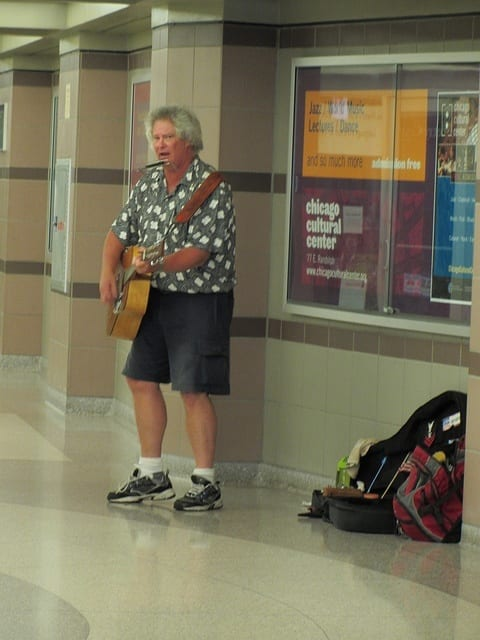 Chicago pedway entertainer