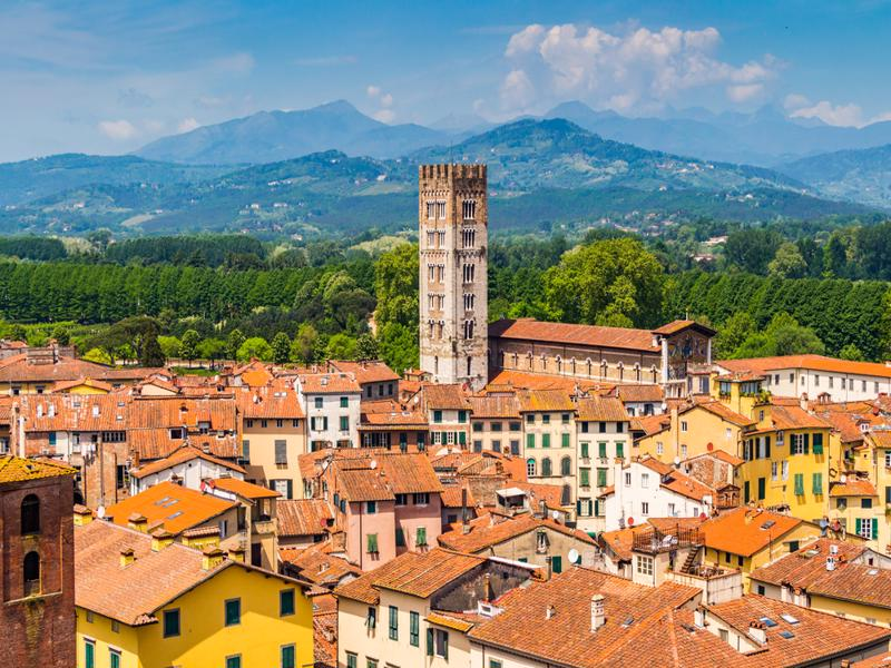 Lucca place to see in Tuscany