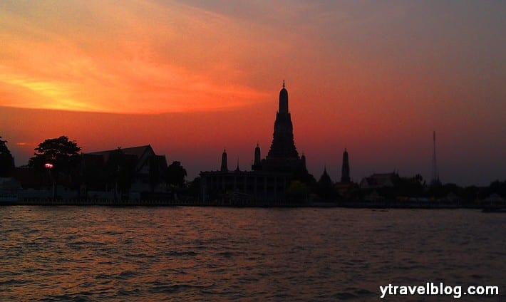 Wat Arun sunset in Bangkok - 13 reasons why I love Thailand