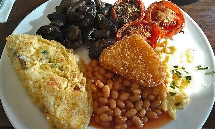 Crowne Plaza Terrigal buffet breakfast