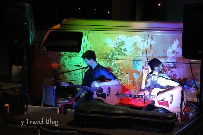 Royal hotel live music