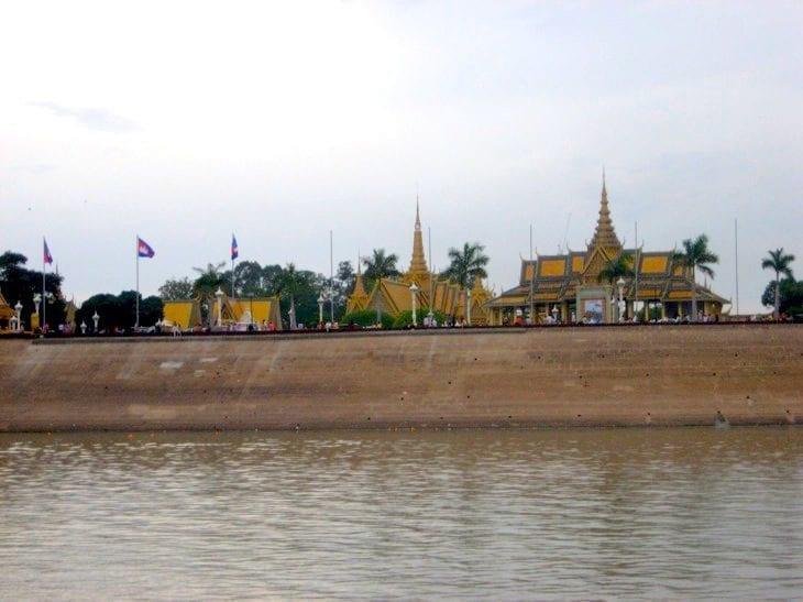 what to do in phnom Penh