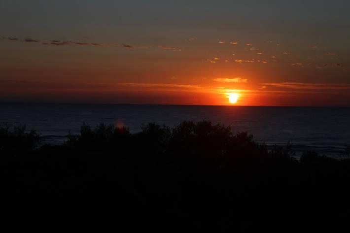 Mantra on Salt Beach Kingscliff: Drinks with friends and vivid sunrises