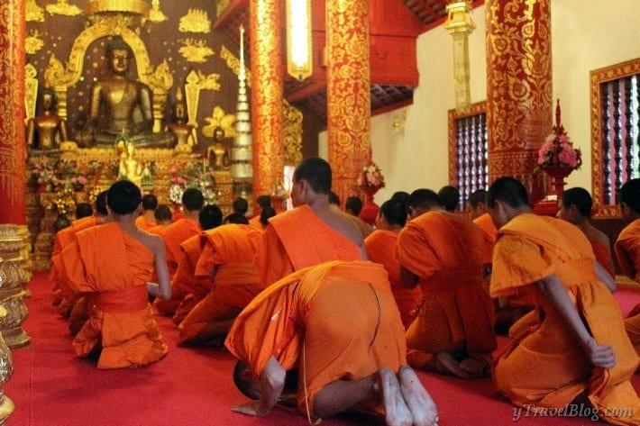 chanting monks Wat Phra Kaew Chiang Rai