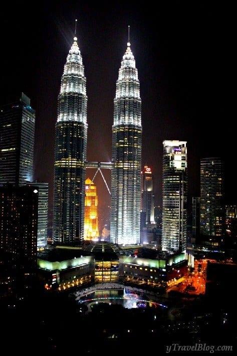 Twin Towers Kuala Lumpur at night
