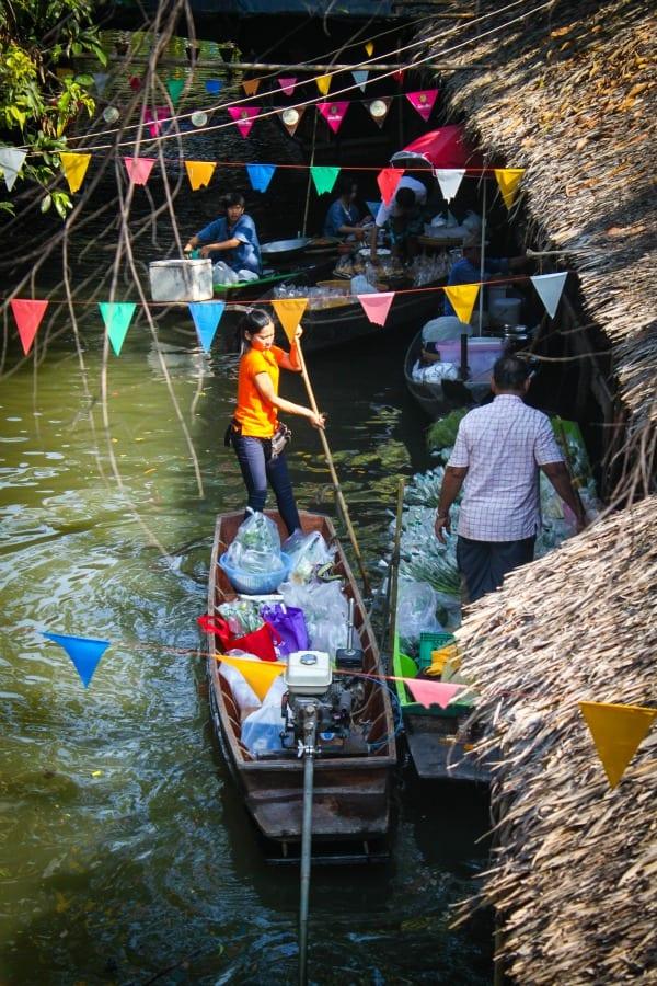สาระ: Khlong Lat Mayom: Floating market realness.