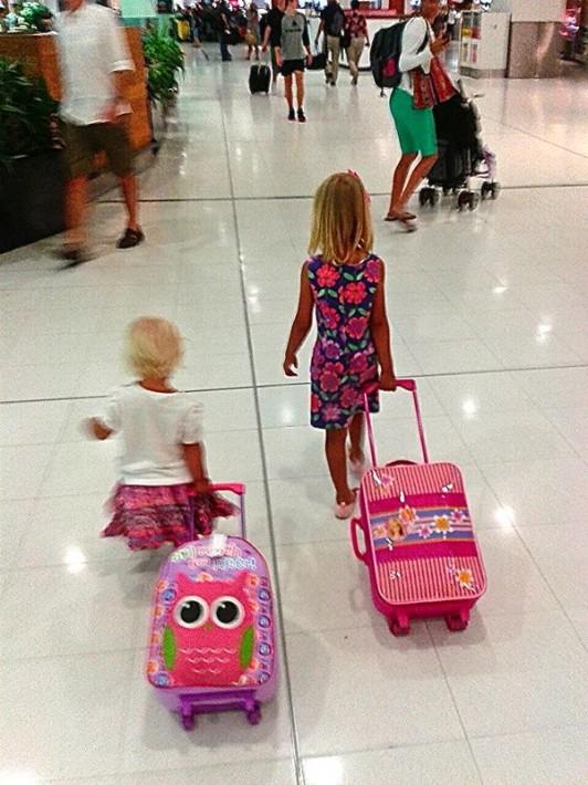 """voler avec des enfants """"width ="""" 532 """"height ="""" 710 """"data-jpibfi-description ="""" """"data-jpibfi-post-extrait ="""" Voulez-vous voyager avec des enfants mais craignez-vous de voler avec eux? Voici 17 conseils pour voler avec des enfants afin de les aider à se sentir calmes et heureux. Épinglage heureux! """"Data-jpibfi-post-url ="""" https://www.ytravelblog.com/tips-for-flying-with-kids/ """"data-jpibfi-post-title ="""" 17 conseils pour voler avec des enfants Gardez-vous ( et eux) calme et heureux """"data-jpibfi-src ="""" https://www.ytravelblog.com/wp-content/uploads/2013/03/Craig-Thailand-023-532x710.jpg """"/></p></noscript><img class="""