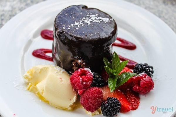 Mud-cake-with-Raspberries-at-the-Raspberry-Farm-Launceston