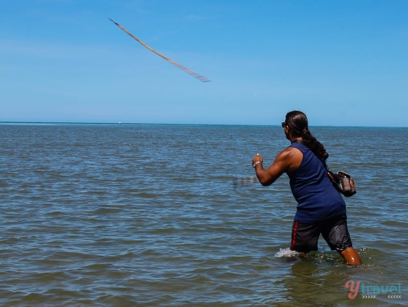 Spear fishing at Cooya Beach Cairns (4)