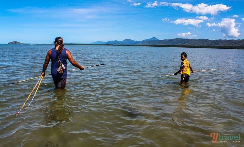 Spear fishing at Cooya Beach Cairns (5)