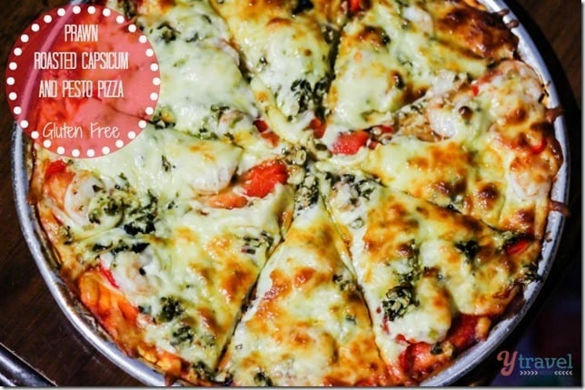 Prawn and pesto pizza