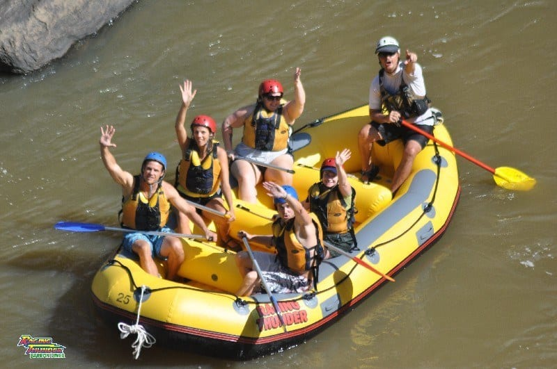 Raging Thunder adventures white water rafting Cairns (1)