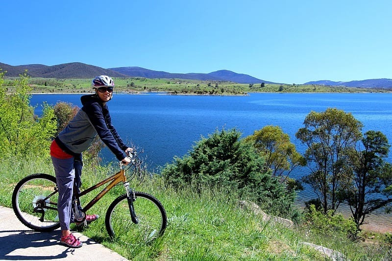 Biking around Lake Jindabyne, Snowy Mountains