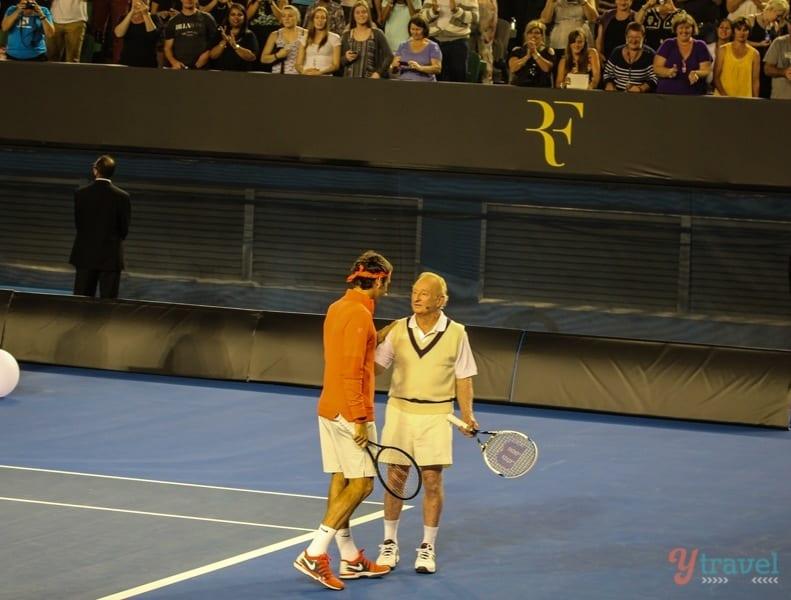 Federer vs Rod Laver (2)