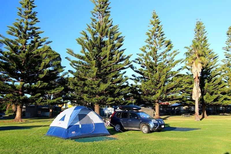 Narooma-310 ▷ Comente sobre cómo viajar por Australia: ¿caravana o remolque de campista? por razones para elegir una caravana de vacaciones - Diseño de baño