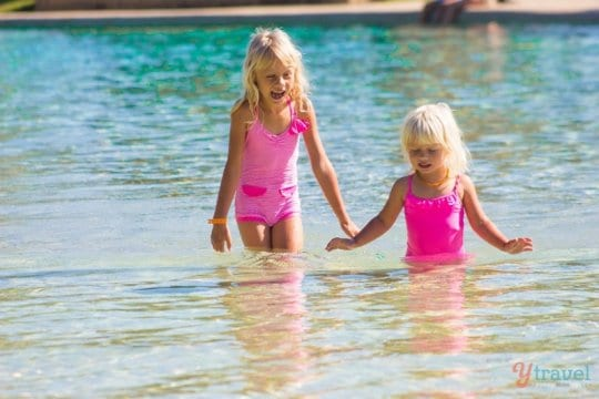 travelling in the heat with kids