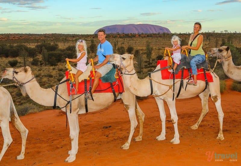 Uluru-Camel-Ride-071 ▷ Comente sobre cómo iniciar un blog de viajes en 11 pasos (y gane dinero) con los gadgets imprescindibles para un viajero inteligente en la próxima aventura
