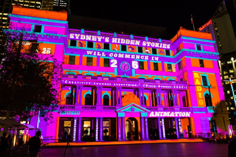 So pretty. Customs House in Sydney during the Vivid Sydney Festival.