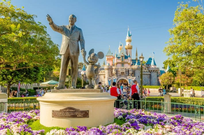Planning a Disneyland vacation? Check out this list of the best 15 hotels near Disneyland,. 3 and 4 star hotels, plus the Disney hotels.