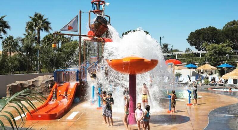 Howard Johnson Anaheim Hotel and Water Playground - um dos melhores hotéis de 3 estrelas perto da Disneyland