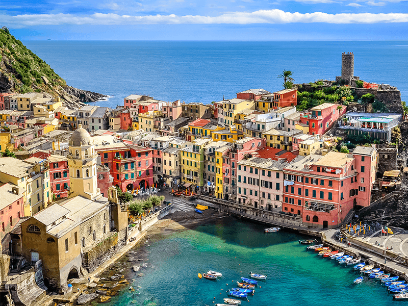 Visit Riomaggiore - one of the best things to do in Cinque terre.