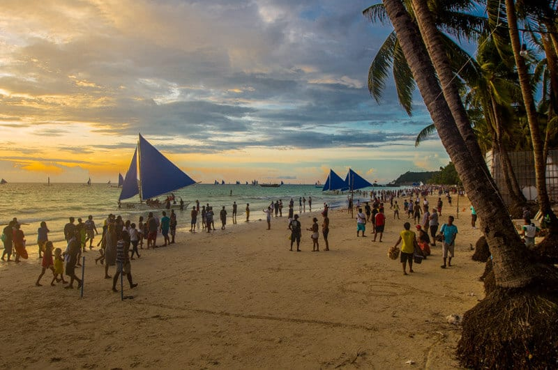 White Beach Boracay Island is one of the best beaches in the Philippines. Click to read tips on things to do in Boracay with kids