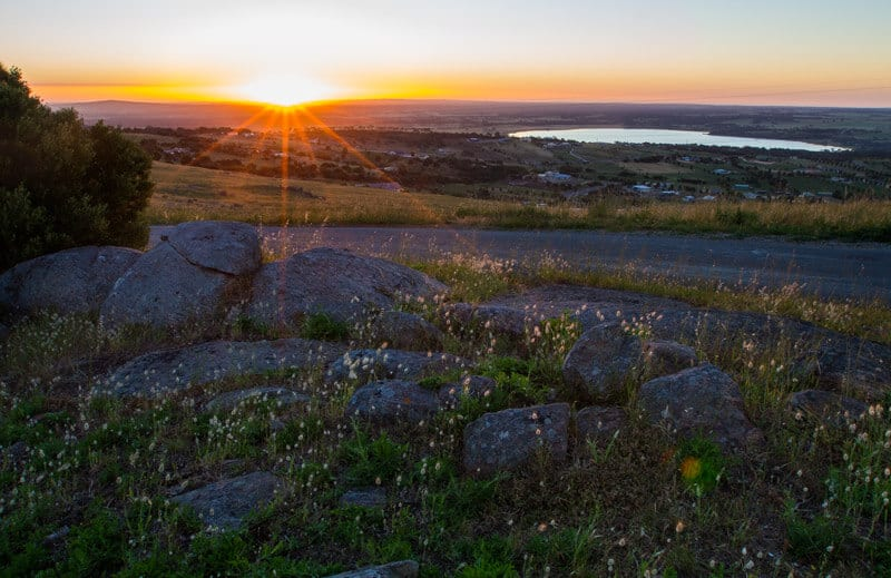 Sunset at Winter Hill Lookout in Port Lincoln is a must stop on your road trip with kids in South Australia. Click to read more tips on things to do on the Eyre Peninsula