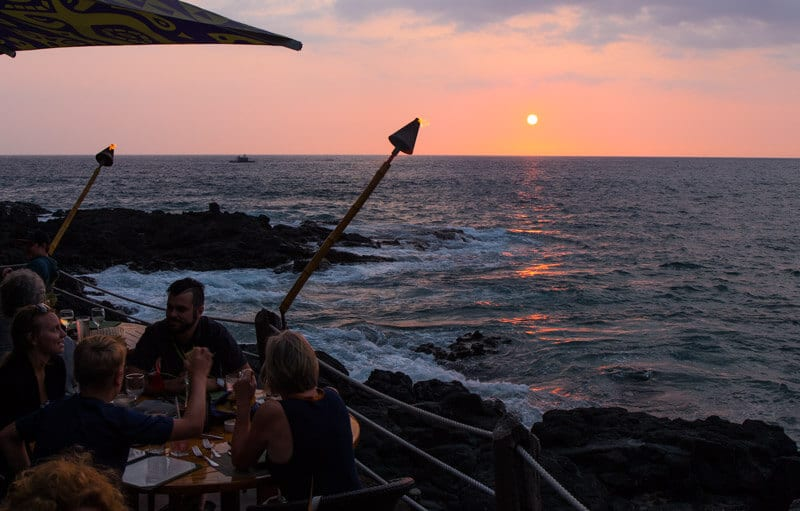 Sunset drinks at Huggos Bar in Kona - Big Island Hawaii
