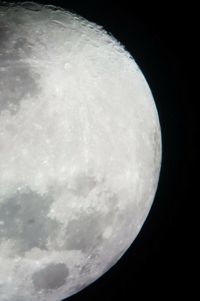 We were able to capture this awesome shot of the moon at Warrumbungle Observatory in Coonabarabran with our phone