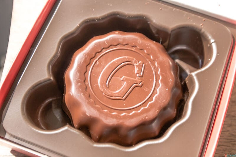 Fun family Nashville activity - making chocolates at Goo Goo Clusters