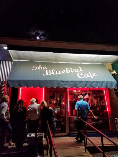 Things to do in Nashville with kids The Bluebird cafe (1)