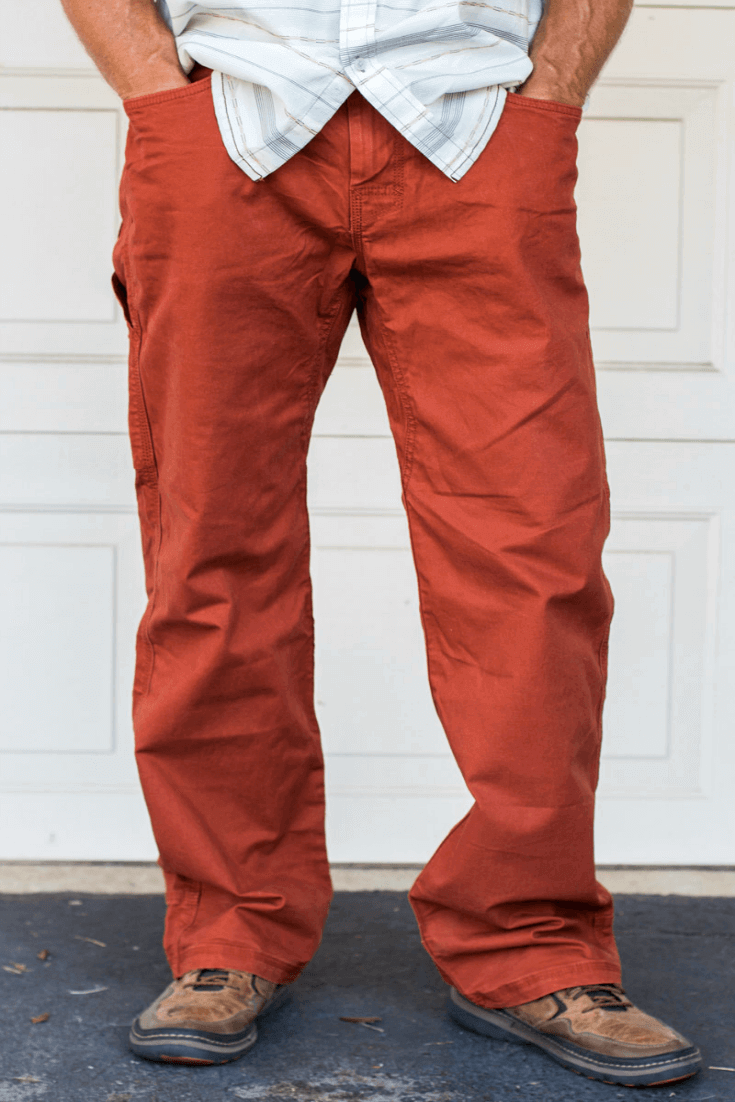 I love my new Bronson dress pants by prAna. Made from a stretch organic cotton, they're super comfortable and stylish. And love the color too!