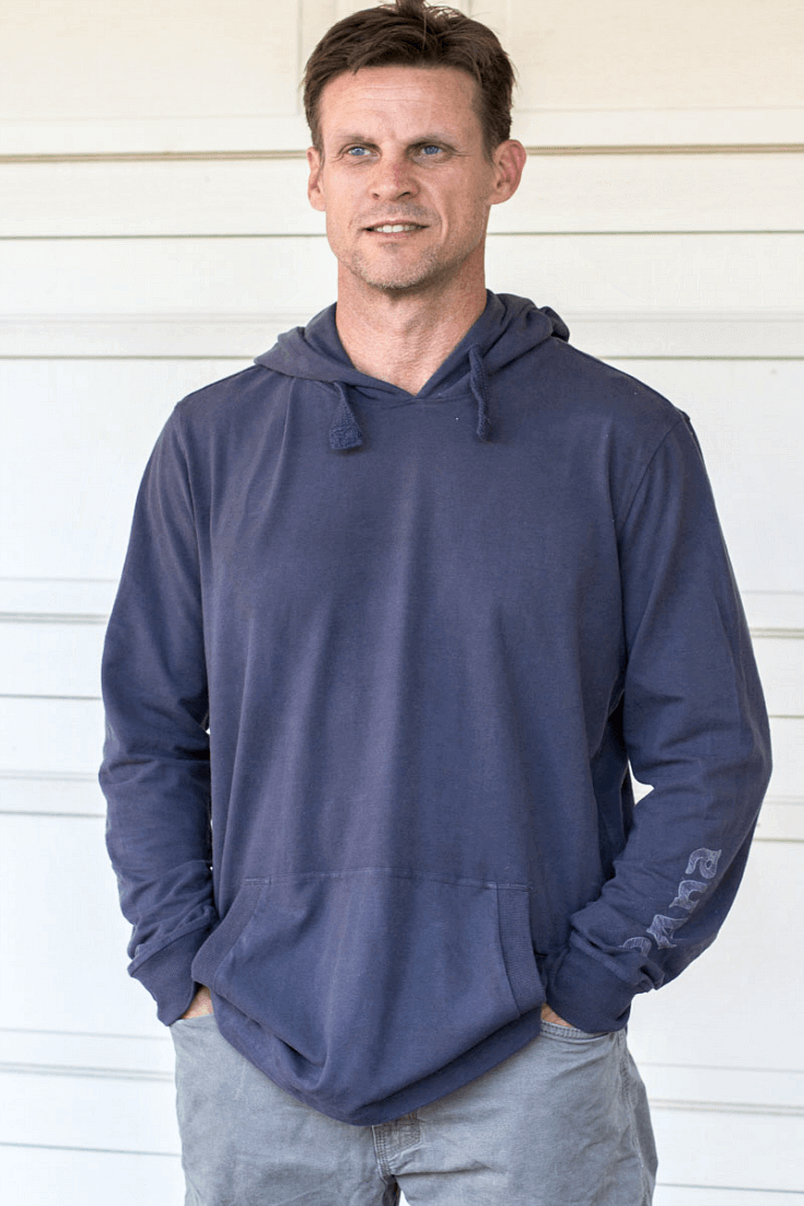I'm a big fan of a comfy and casual pullover hoodie that can be dressy as well, and this Setu Hoodie made from 92% organic cotton can be worn almost anywhere.