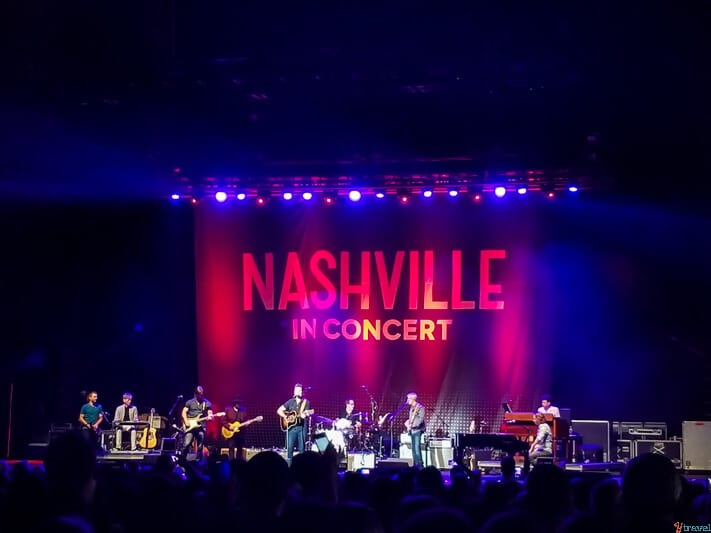 Nashville in concert red hat amphitheater raleigh north carolina (2)