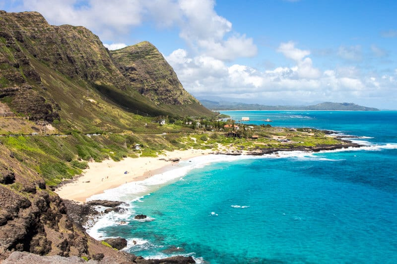 Stunning coastal scenery on a road trip around Oahu