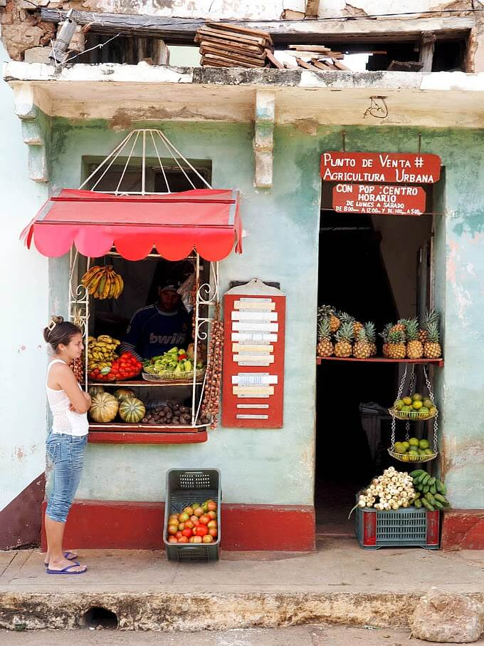 Common food scene you'll see when traveling to Cuba