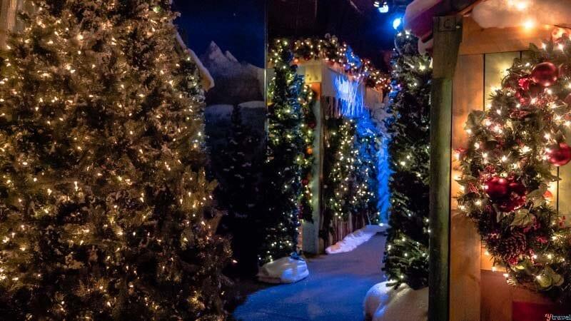 """Le Santaland Herald Square de Macy """"width ="""" 800 """"height ="""" 450 """"data-jpibfi-post-extrait ="""" Que faire à New York à Noël avec les enfants. C'est la période la plus magique de l'année et personne ne passe la saison des vacances comme celle de New York. """"Data-jpibfi-post-url ="""" https://www.ytravelblog.com/things-to-do-in-new- york-at-Christmas / """"data-jpibfi-post-title ="""" 15 choses magiques à faire à New York à Noël avec des enfants (ou sans enfants) """"data-jpibfi-src ="""" https://www.ytravelblog.com/wp-content / uploads / 2017/12 / Macys-Santaland.jpg"""