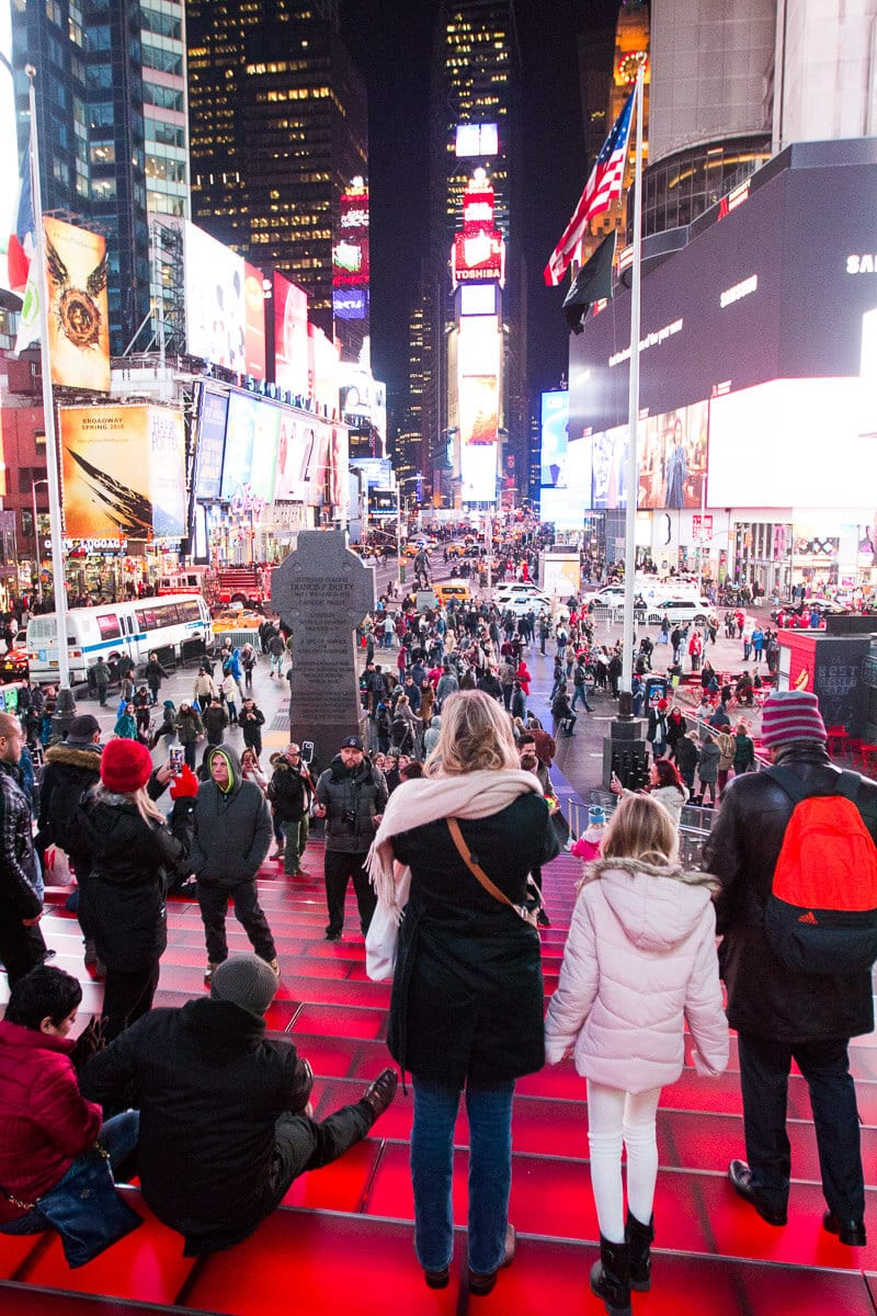 Times Square New York City - Check out this 3 day itinerary for NY and get the best NYC travel tips.