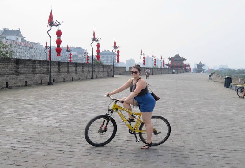 Bike the city wall in Xian - China itinerary tips!