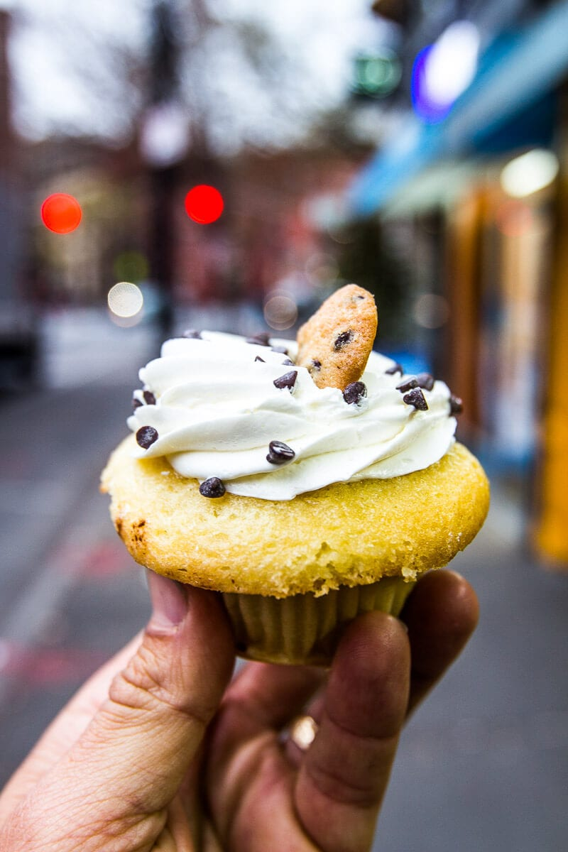 Molly's Cupcakes, NYC - eat here when in NY. Click inside for a 3 day itinerary of things to do in NYC and get some top NYC travel tips!