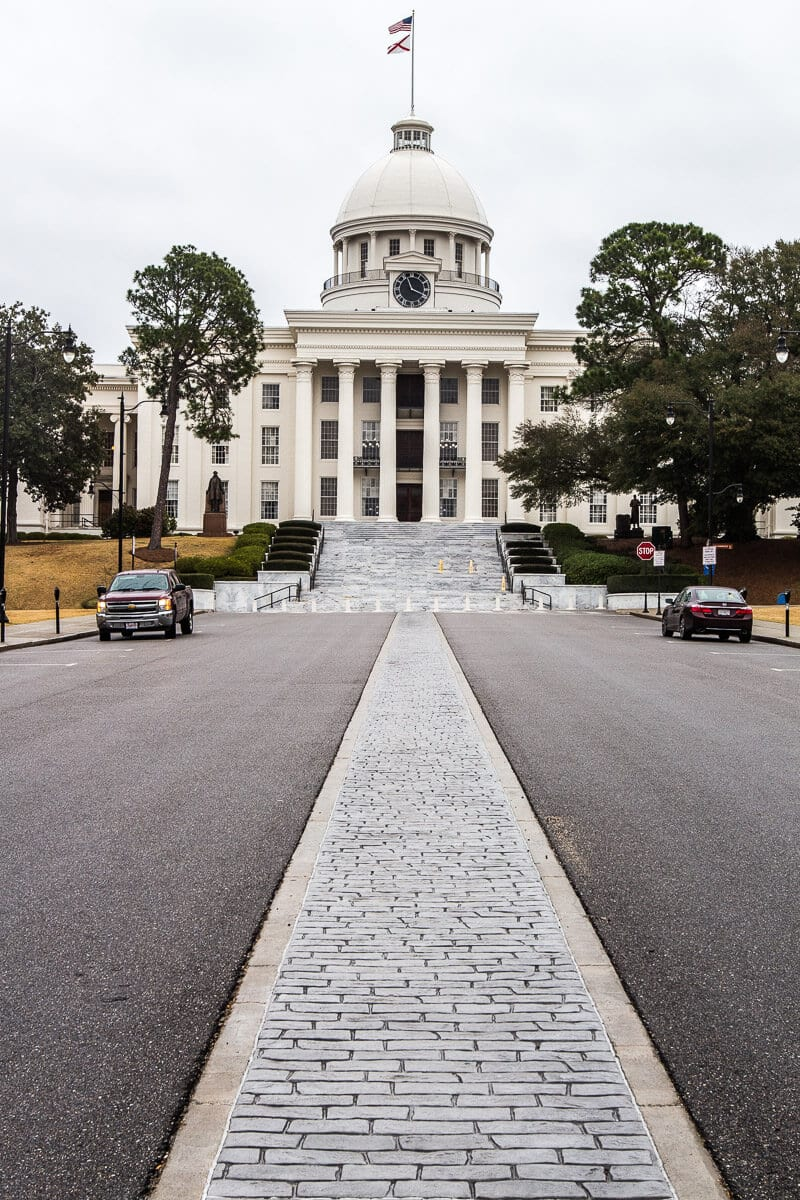 Do a tour of the State Capitol Building in Montgomery, Alabama