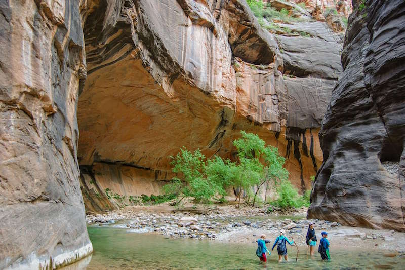 18 Helpful Tips for the Zion Narrows Hike with kids (or without kids)