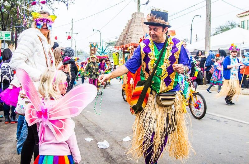 Guide pour faire du Mardi Gras avec des enfants