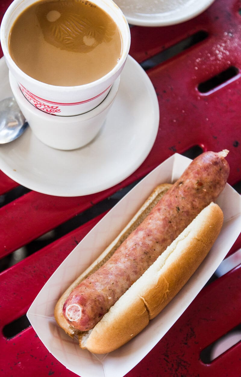 Places to eat in New Orleans - try a gator sausage and New Orleans style coffee at Morning Call in City Park