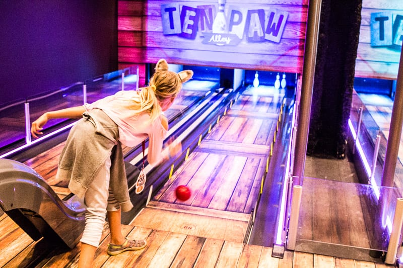 Ten pin bowling at Great Wolf Lodge, Minnesota