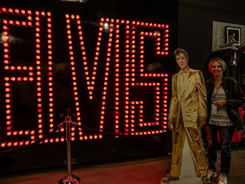 Elivs Presly Graceland tours memphis tenneseee