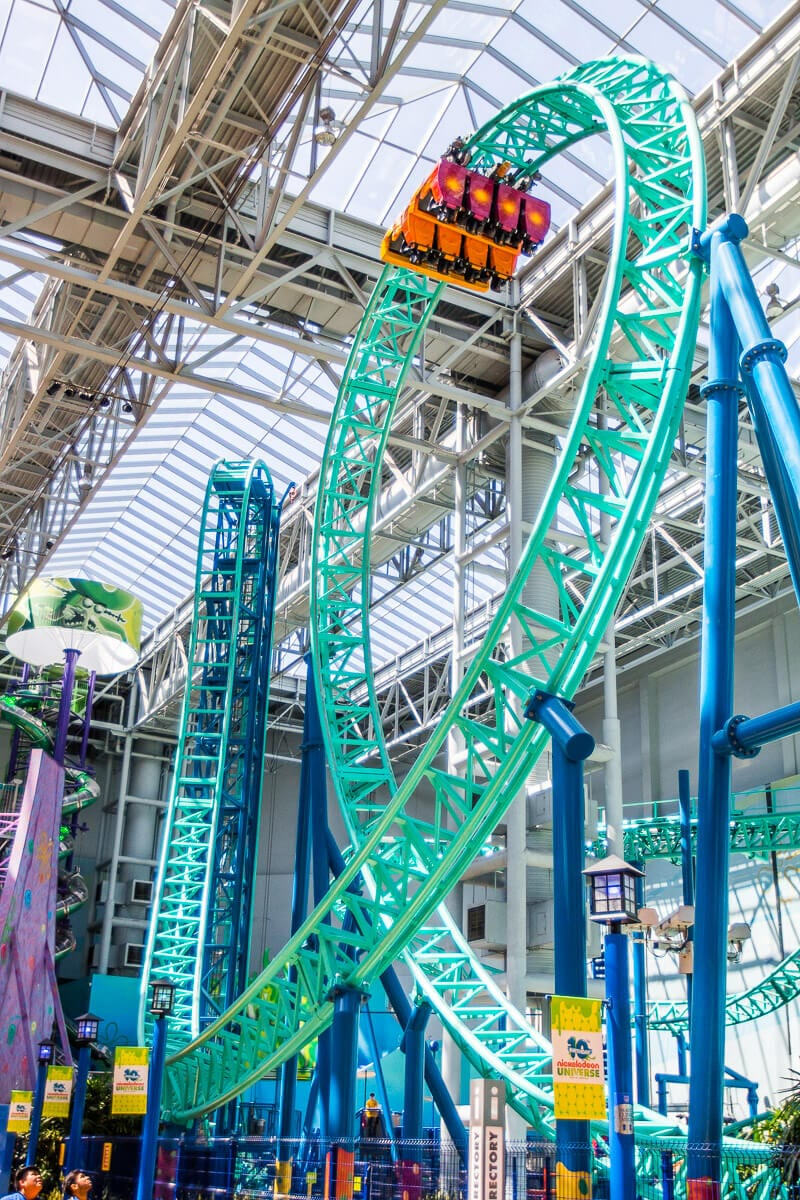 SpongeBob Schwammkopf Rock Bottom Plunge Roller Coaster, Mall of America, Bloomington, Minnesota